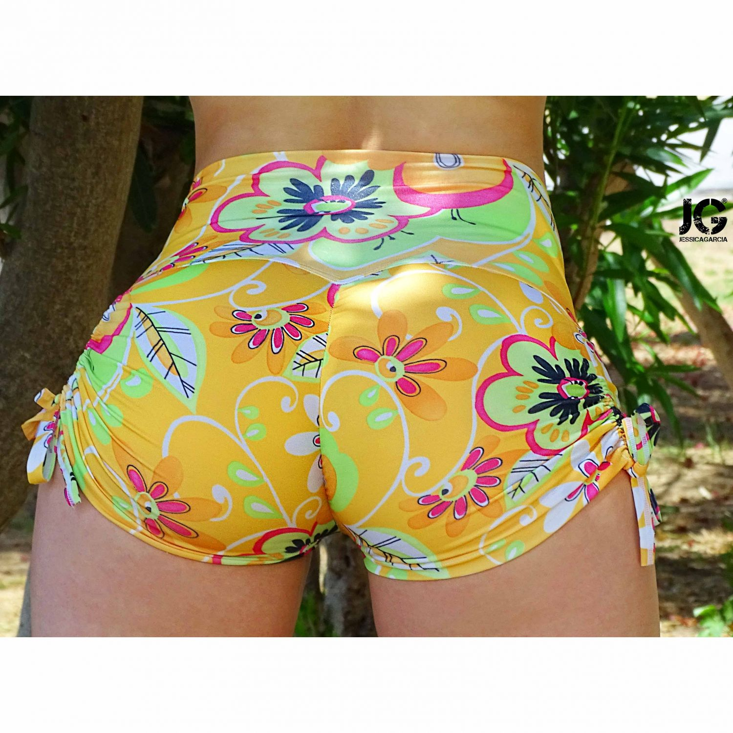 Short Push Up Amarillo Flores Regulable